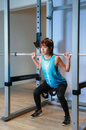 現在的簡廷芮,身體線條更美了更結實了,跟過去不運動只節食的瘦是完全不同的。