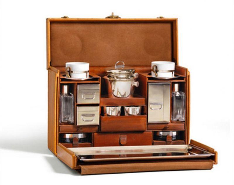 想要在各時尚品牌問據的香水版圖中突圍,Louis Vuitton 應該會以品牌精神旅行出發,從中獲取靈感,取得忠誠粉絲的認同與連結。