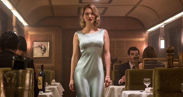 007電影《惡魔四伏spectre》中,她成為一名深藏不露金髮的007龐德女郎瑪德琳Madeleine Swann。