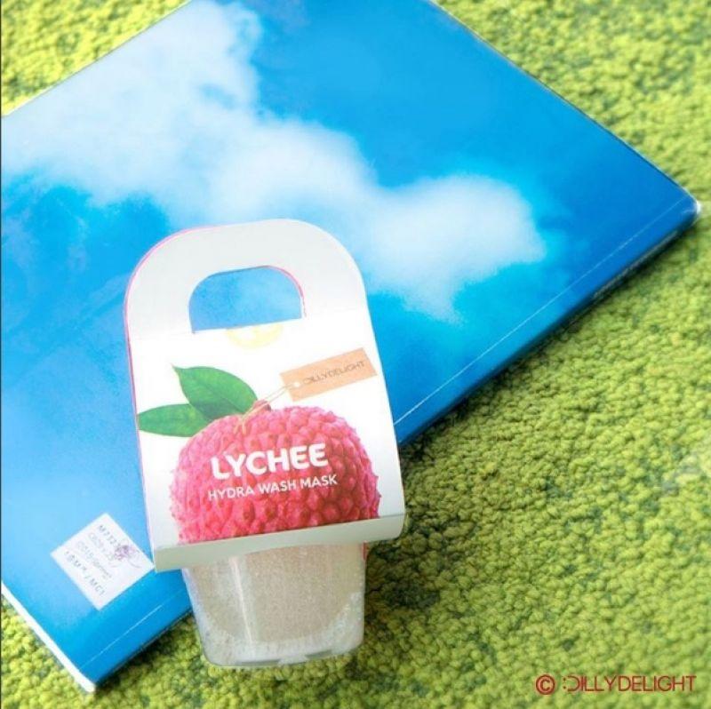 QQ的外觀,只要加水、搭配起泡網,就可搓揉出大量泡泡,接著敷在臉上,有清潔兼補水的效果,夏天洗起來一定很舒服。