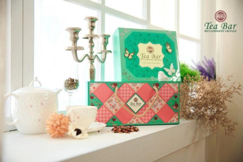 B&G德國農莊 第凡內茶禮盒 售價$1480、歐風鄉村輕盈茶罐禮盒 售價$1380