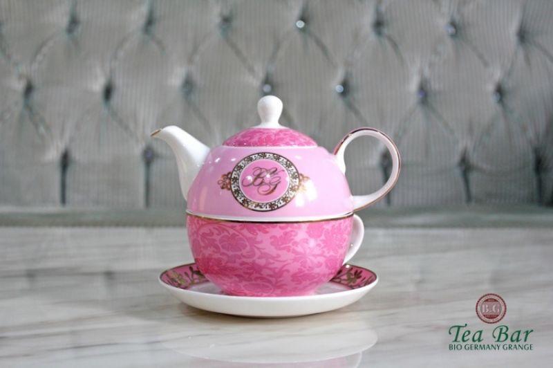 購買4瓶中瓶茶 即贈粉色B&G杯壺組