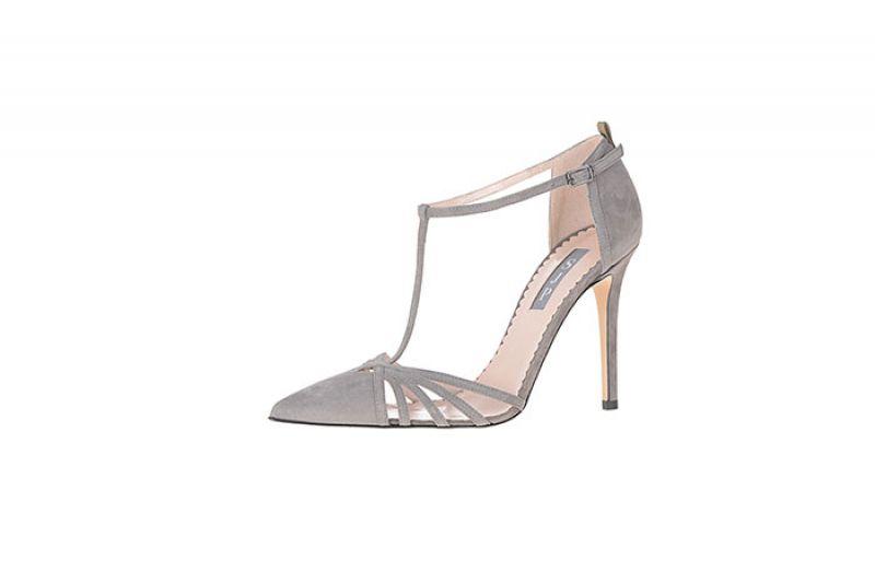 經典CARRIE細跟鞋NT14,800