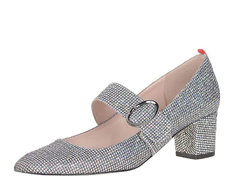 DAPHNE鑽飾粗跟鞋NT16,800