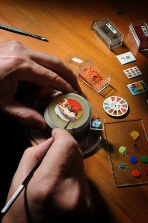 積家琺瑯微繪大師將西洋古典畫作細膩呈現於錶盤