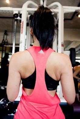 莫莉勇敢撕掉別人貼在她身上的標籤,用汗水證明自己更多可能性,穿上adidas女子訓練系列,健身挑戰難度更上一階,創造意想不到的強大能量。
