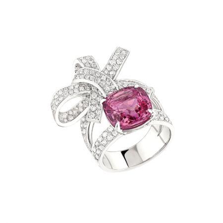 白K金鑲嵌粉紅藍寶石與鑽石戒指,Chanel
