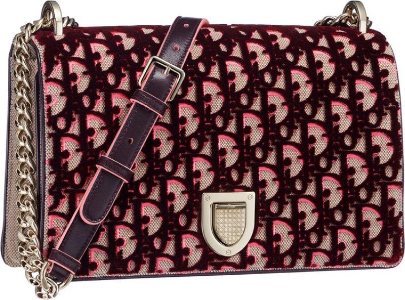 Diorama 紅色立體天鵝絨刺繡鏈包 NT$130,000 (Large)