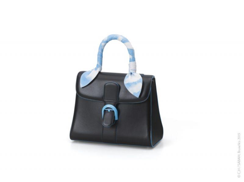 馬格利特限量系列藍天白雲羊皮手把飾帶 NT$15,900