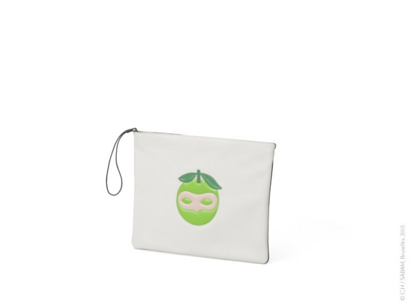 馬格利特限量系列蘋果圖案白色小袋 NT$49,000