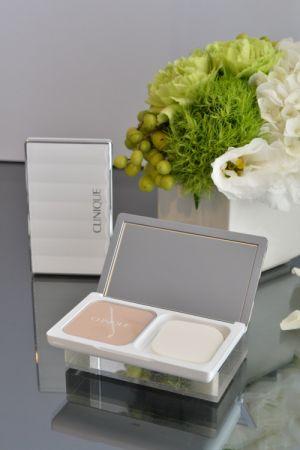 超完美偽妝粉餅SPF30PA+++NTD1400 超完美偽妝粉盒750