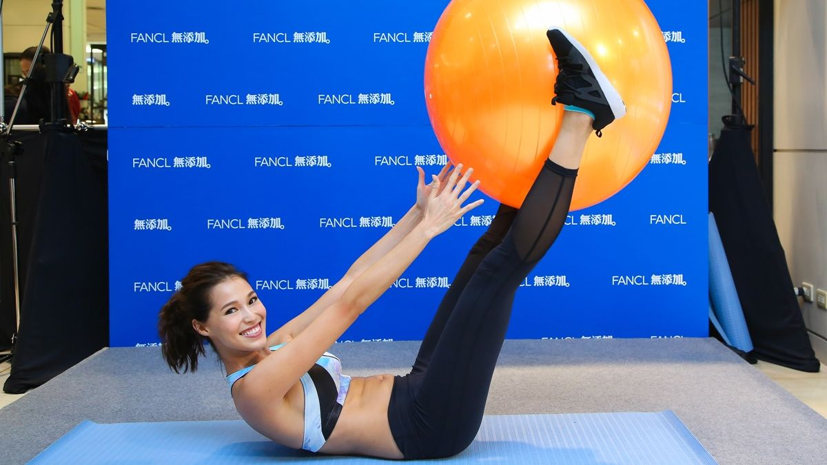 亞洲名模Akemi 示範3招健身操,蜜桃臀、螞蟻腰、蜜大腿就該這樣練!