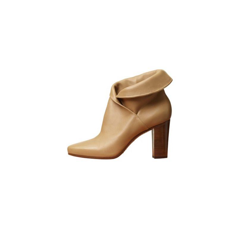 HERITAGE 駝色小羊皮短靴 $44,000