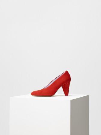 PETAL HEEL 艷紅小山羊麂皮高跟鞋 $30,500
