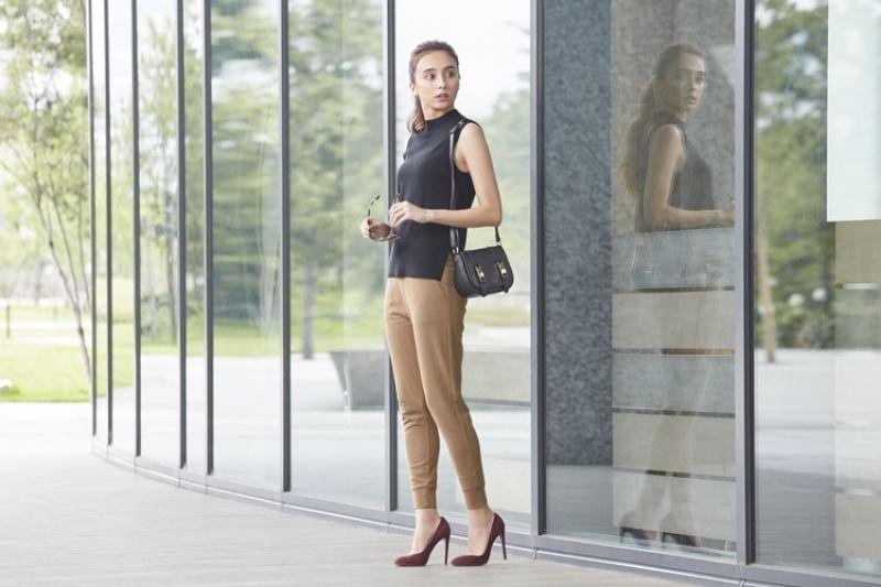 街頭潮流_UNIQLO女裝米蘭羅紋束口褲 售價NT$790