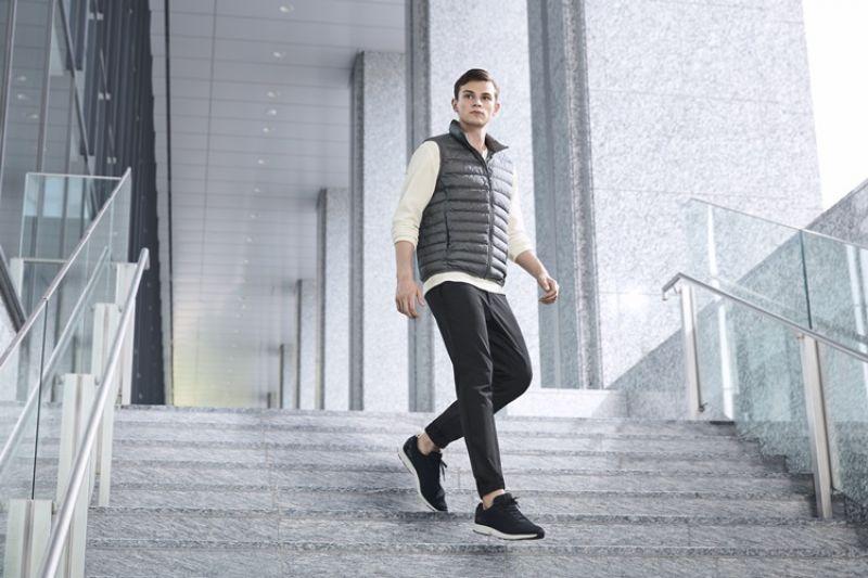 運動時尚_UNIQLO男裝束口褲(特級彈性) 售價NT$990 (全新款式)