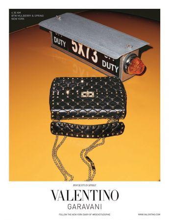 Valentino Garavani Rockstud Spike 提包廣告形象