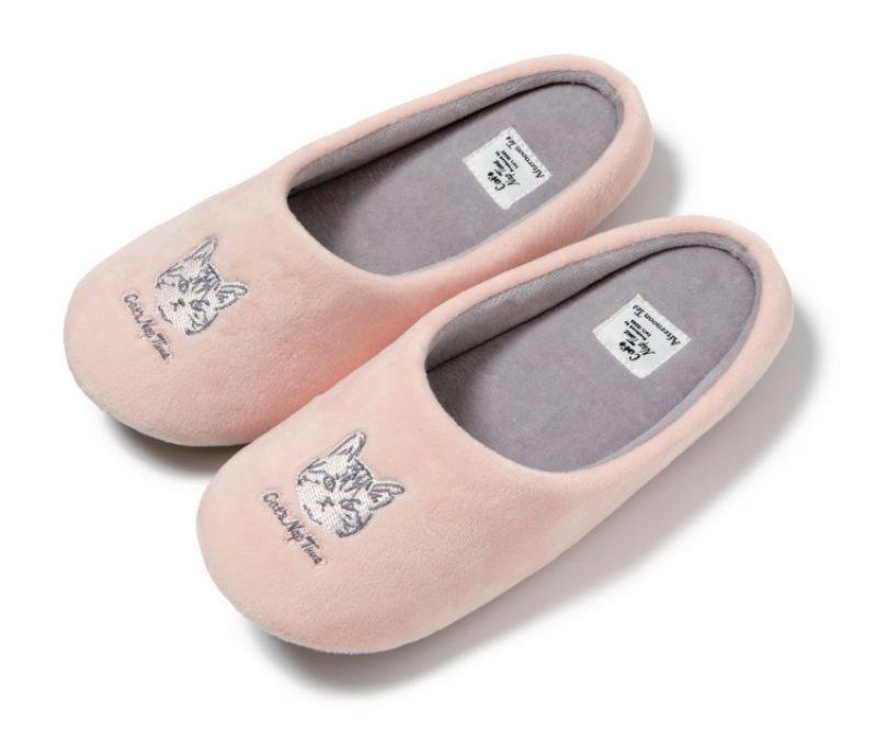 慵懶貓咪室內拖鞋,980元