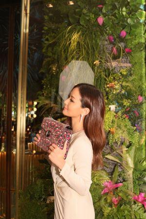 孫芸芸配戴BVLGARI 2017春夏SERPENTAGE系列包款出席寶格麗2017春夏配件系列發表會