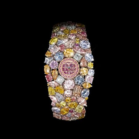 格拉夫Hallucination腕錶,鑲嵌重近110克拉的彩鑽