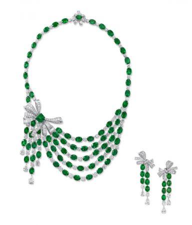 格拉夫多形切割祖母綠和鑽石蝴蝶結項鍊、耳環