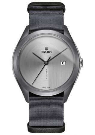 HyperChrome 皓星系列腕錶,氮化矽陶瓷錶,尼龍帆布錶帶,Rado。