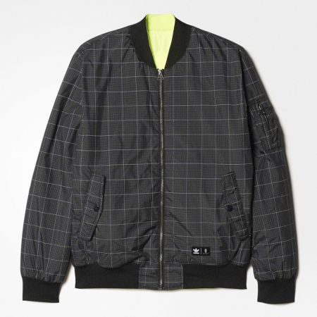 adidas Originals x Eason Chan陳奕迅首次設計系列 雙面運動夾克 NTD6,800_AZ3862