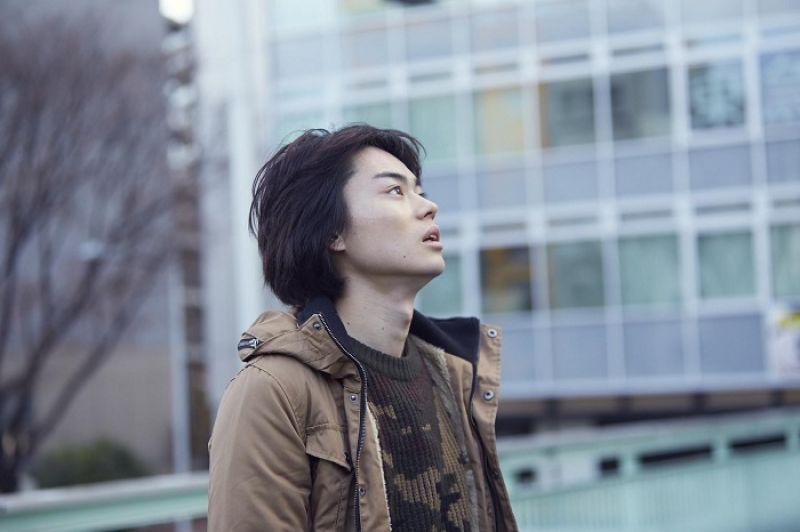 行定勳的《紅的告別式》實錄名利場的浮華與孤獨,卡司包括中島裕翔、菅田將暉、柳樂優彌與夏帆等新生代實力演員,華麗可期。