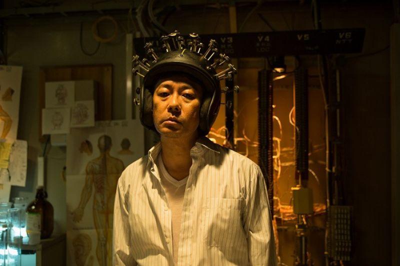 田中博樹 SABU 的《幸福頭盔》,介乎民俗療法與奇幻想像的設定,迭有趣味。