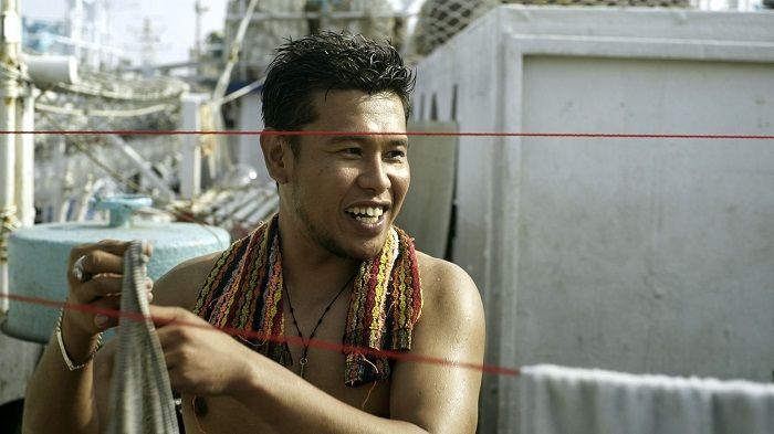 台菲混血導演鄒隆娜的〈阿尼〉,以寫實筆調刻寫遠洋移工的辛酸夢想,本片更代表台灣入選坎城影評人雙週短片正式競賽。