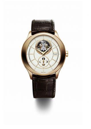 Gouverneur陀飛輪腕錶43mm,18K玫瑰金材質錶殼搭載伯爵自製642P超薄手動上鍊月相陀飛輪機械機芯台幣參考售價 5,150,000元