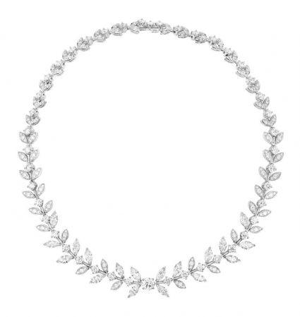Limelight Rose Passion 高級珠寶項鍊18K白金鑲嵌1顆中央圓形主鑽(約重1.04克拉)241顆圓形美鑽(約重12.52克拉)18顆馬眼形切割美鑽(約重9.0克拉)台幣參考售價 10,400,000元