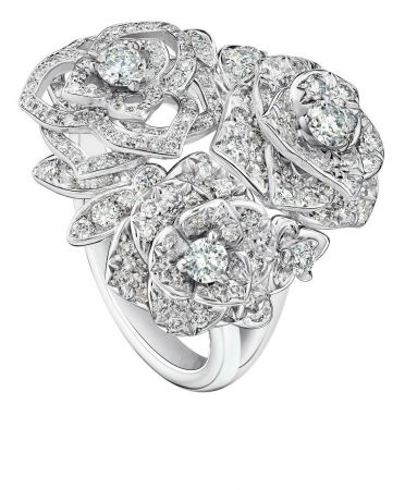Piaget Rose 指環18K白金鑲嵌182顆美鑽(約1.00克拉)台幣參考售價 530,000元