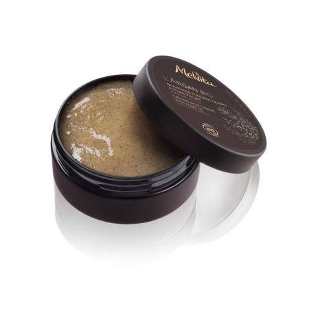 黃金堅果油潤澤去角質霜150g NT.1,380 | 2016 NEW 限量販售摩洛哥堅果油豐潤,洗滌時瞬間在肌膚融化的就像在陽光下的蜂蜜。添加精細配方,堅果殼粉末,按摩於全身輕柔地去除角質。淋浴使用讓肌膚更柔軟,更明亮。