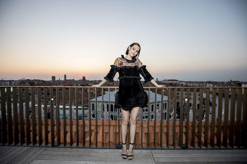 日本人氣模特兒水原希子