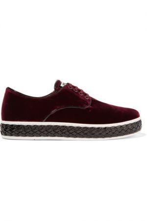 必備時尚款球鞋天鵝絨厚底休閒鞋,Miu Miu,價格電洽。