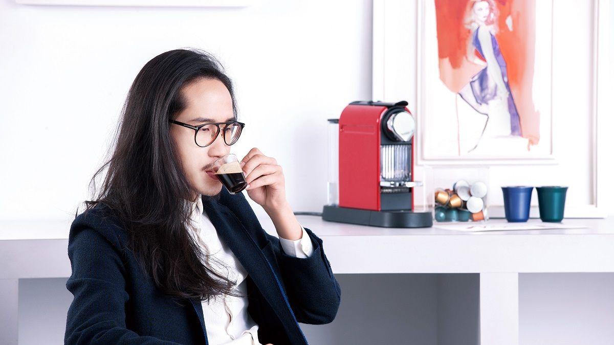 「咖啡有如我創作上的顏料一般,如影隨形 咖啡機則有如美術社,讓我更容易獲得這精神的補給。」Gary Tu 線條的鬼才
