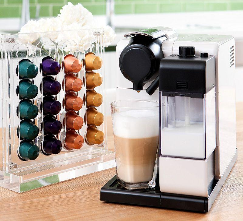 Nespresso以專業等級的Espresso聞名,還擁有24款風味獨特的咖啡,完全可以滿足欣匠和老公對咖啡的不同需求,19bar萃取出來的濃縮咖啡,尤其讓欣匠再三回味。而只要一指就能簡單獲得幸福與動力的Lattissima,實在是她生活中的良伴。
