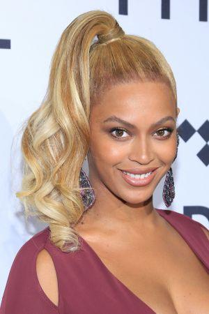側邊高馬尾Beyoncé