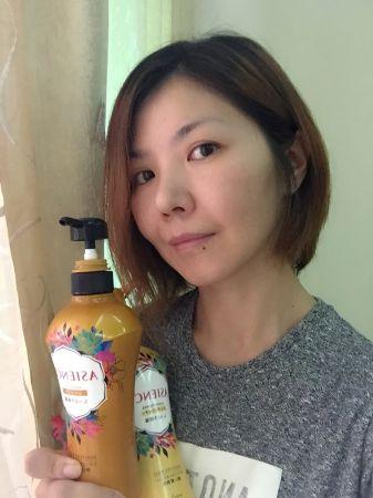 寺田先生建議,使用新ASIENCE洗潤髮品,記得一定要持續使用,讓保養成分逐漸滲透至髮芯,就能讓頭髮長久保持光澤,在晚上約會續攤時,秀髮也依舊光澤閃耀,令人怦然心動。