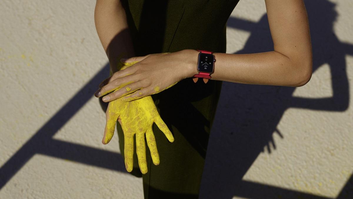時尚圈的科技進化論!Apple Watch® Hermès質感藍、鮮豔粉錶帶系列