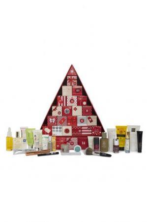 Marks & SpencerM&S今年推出的美妝倒數月曆也太超值了!竟然只需要英鎊£35元!這個以居家服飾和生活用品為主的品牌,用可愛的紅色小禮物堆積成的美妝倒數月曆鐘,內容物也不馬虎!有指甲油、護唇膏、乳液、沐浴系列…等生活保養用品,讓妳每天打開都有小驚喜!