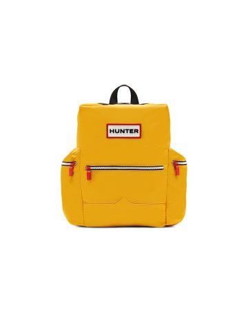 暢銷的背包系列防潑水尼龍材質,時尚與實用兼具,絕對是雨天必備單品。經典Logo後背包-防潑水尼龍款 NT 5,980