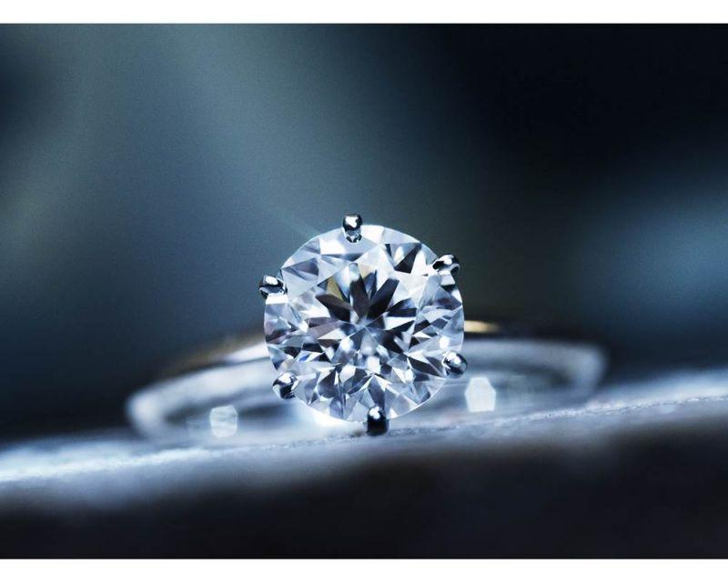Tiffany Setting 六爪鑲嵌鑽戒