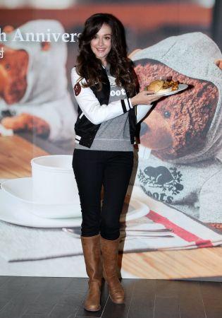 幸福媽咪瑞莎大推周年慶限定的Roots 43th Burger品嚐專屬加拿大風味的美食饗宴。
