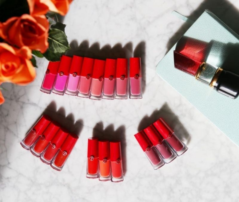 Giorgio Armani的唇彩新品Lip Magnet目前共有18色。(IG@hushushbeautyshopper)