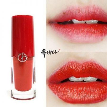 運用Giorgio Armani Lip Magnet輕鬆打造不同唇妝。(IG@youbina37)