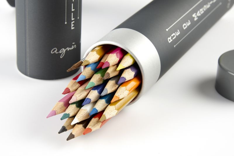 agnès b. 40 週年限量彩色鉛筆組