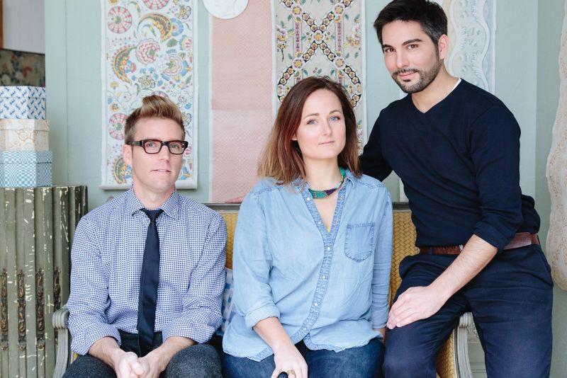 """創立""""À Paris Chez Antoinette Poisson""""的三位藝術家。"""