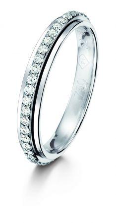 Possession18K白金指環鑲嵌47顆圓形美鑽(約0.34克拉)台幣參考售價129,000 起